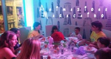 Assistenza al tavolo dei bambini al matrimonio animazione Ancona Macerata Ascoli Pesaro Umbria