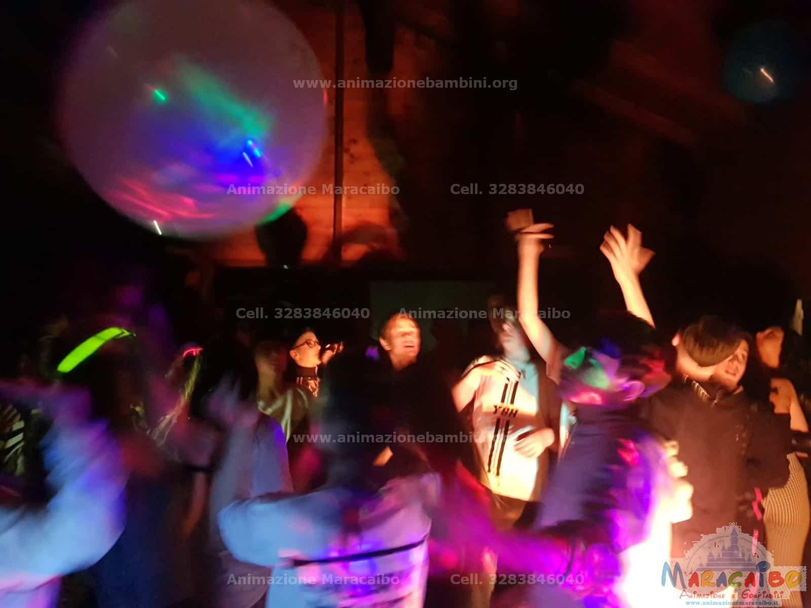 Feste per adolescenti ragazzi teenagers animazione dj musica karaoke intrattenimento (3)-min