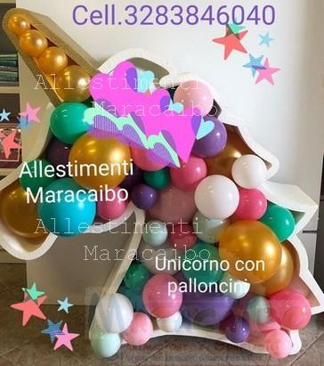 Allestimento tema unicorno con palloncini per feste compleanno eventi