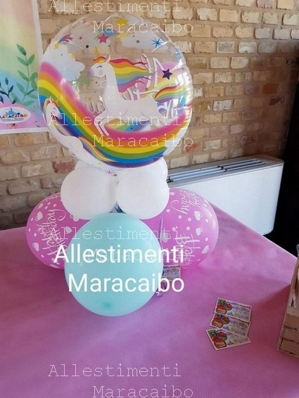 Centrotavola a tema con palloncino in Mylar e base di palloncini allestimento