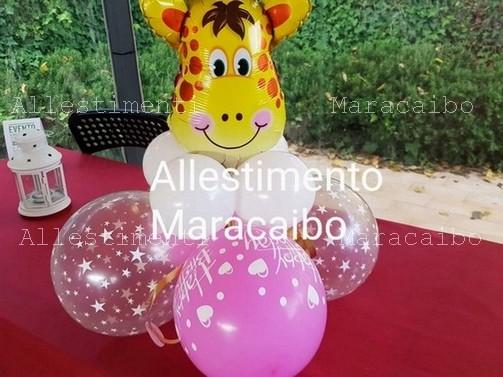 Centrotavola a tema con palloncino in Mylar sagomato e base di palloncini